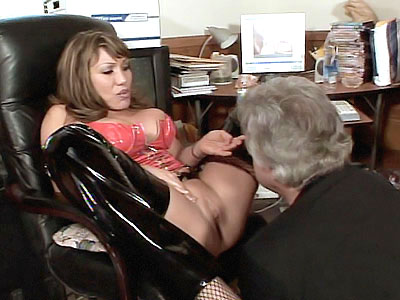 wondrous Mature Gets Her Pussy Lapped