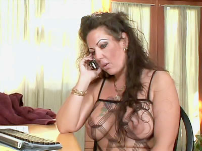 Busty MILF Works Her milk cans